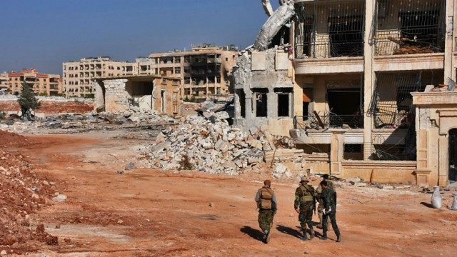 aleppo_syrian_soldiers_622145996